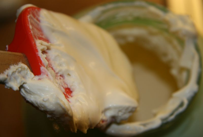 Cultured raw cream